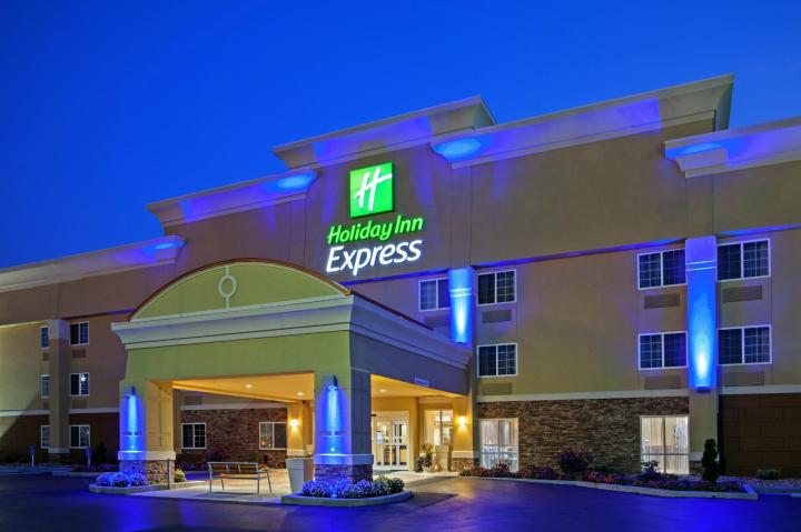 holiday-inn-express-bowling